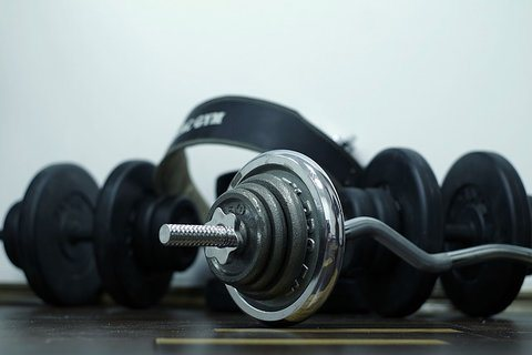 benefits of lifting weights for men